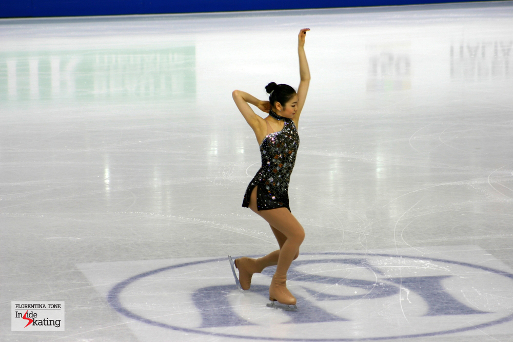 Yuna Kim as a Bond girl, at the 2010 Worlds in Torino