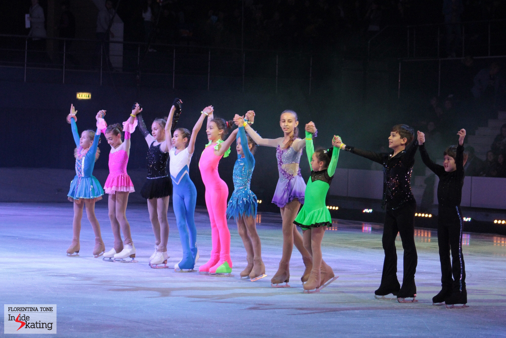 At the end of part one, some of the young skaters of Romania took the ice. Just look at them: don't they deserve a proper ice rink?