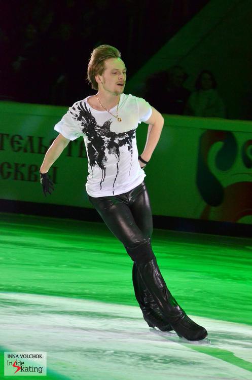 """Sergei Voronov skating to """"Fastidious Horses"""" by Vladimir Vysotski"""