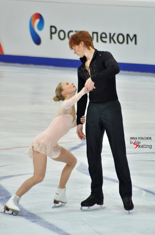 "Evgenia Tarasova and Vladimir Morozov skating to ""Hello"" by Lionel Richie"