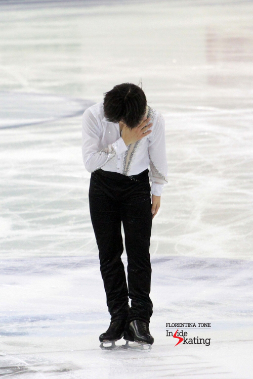 Taking a bow in front of the audience in CCIB arena - and we should  do the same in front of Tatsuki Machida for the programs he kindly offered us (at least) during last seasons