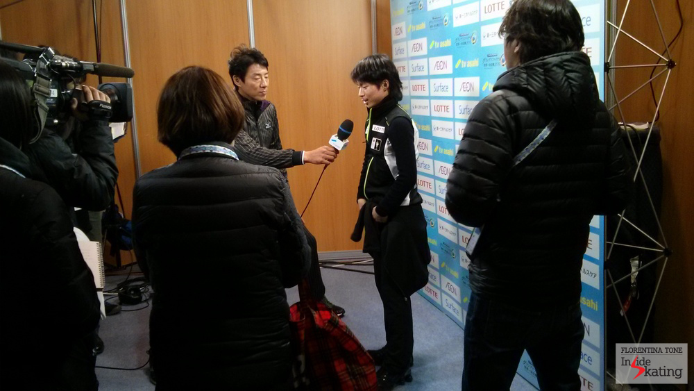 Tatsuki Machida, interviewed by the Japanese journalists at the end of his first practice in Barcelona