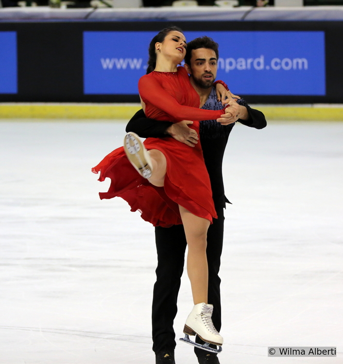 Sara and Adria performing their free dance at this year's edition of Trophee Eric Bompard in Bordeaux (Photo courtesy of Wilma Alberti)