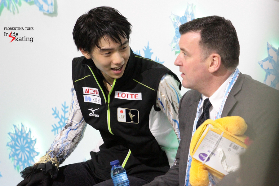 Waiting for the scores, Yuzuru Hanyu and Brian Orser discuss the performance