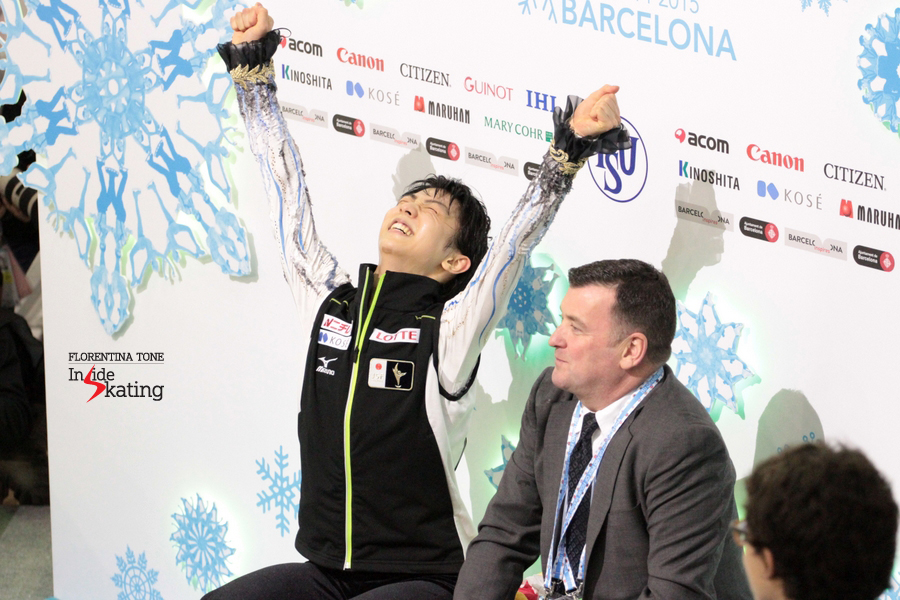 Yuzuru's joy when seeing the scores: he is the 2014 Grand Prix Final Champion