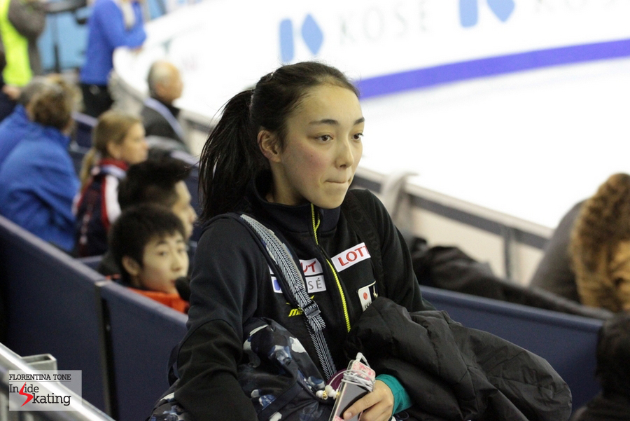 Rika Hongo comes into the audience, to watch the practice