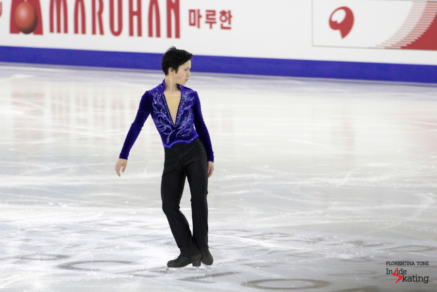 Performing his short program, Shoma Uno stepped out of its triple Axel after he'd landed it perfectly, for numerous times, during the warm-up; here, ready for the take-off