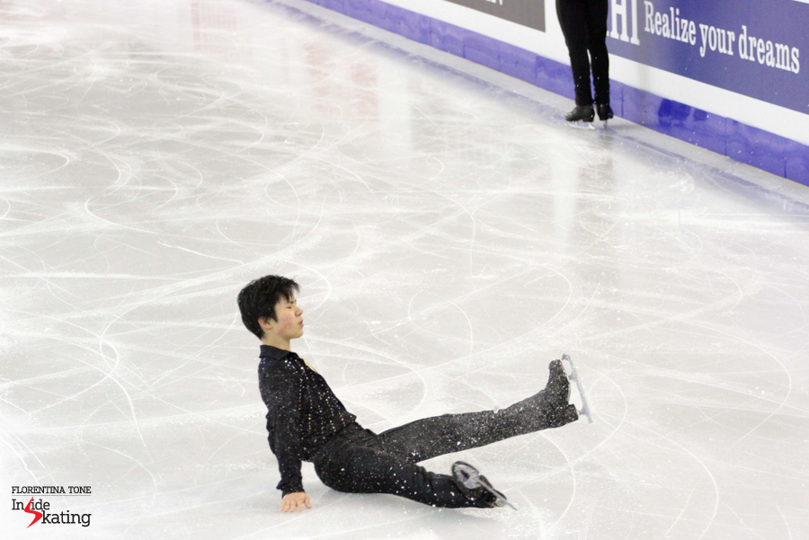 A common image in the practice, with Shoma failing to land some of the jumps
