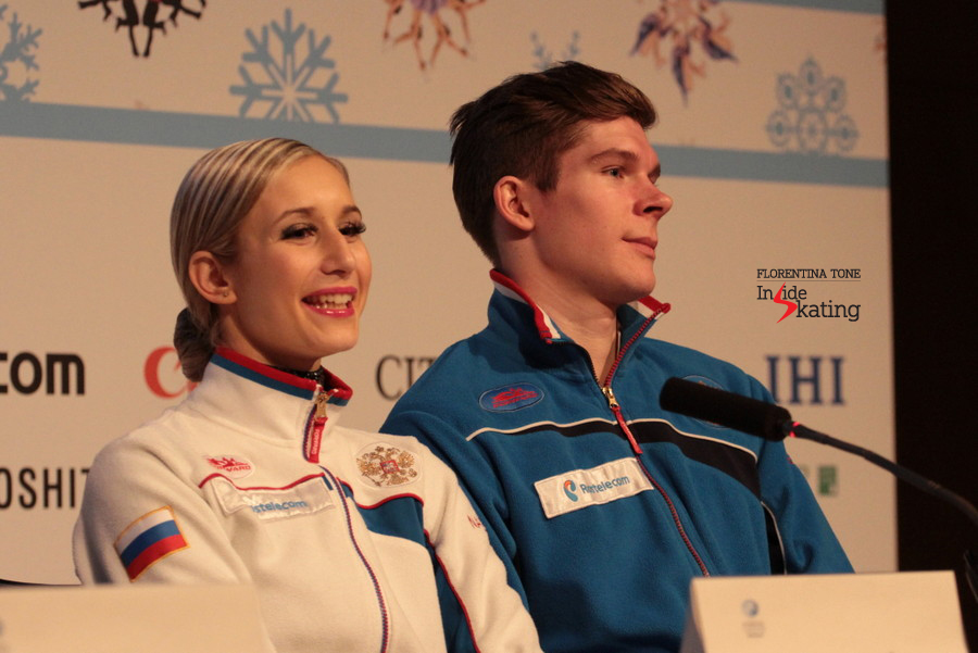 Snapshot from the press conference: Anna and Sergey