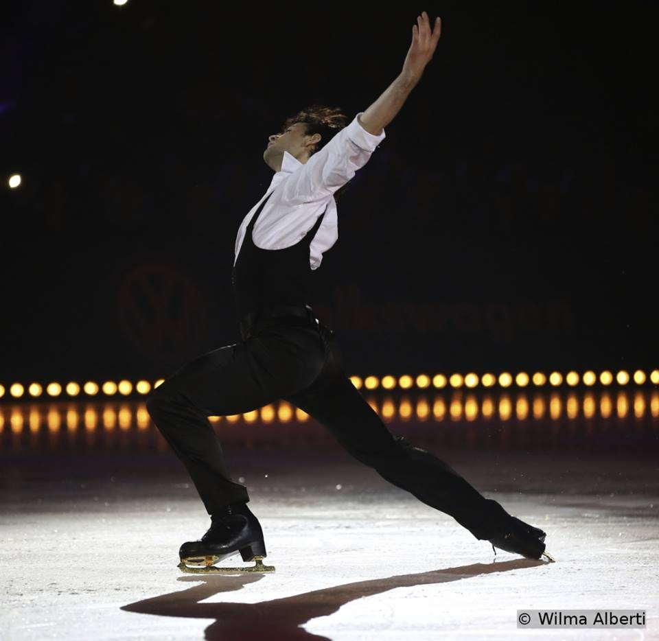 "Stephane Lambiel skating to Tom Odell singing ""Sense"""