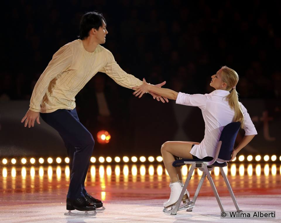 "Tatiana Volosozhar and Maxim Trankov skating to Tom Odell singing ""Another love"""