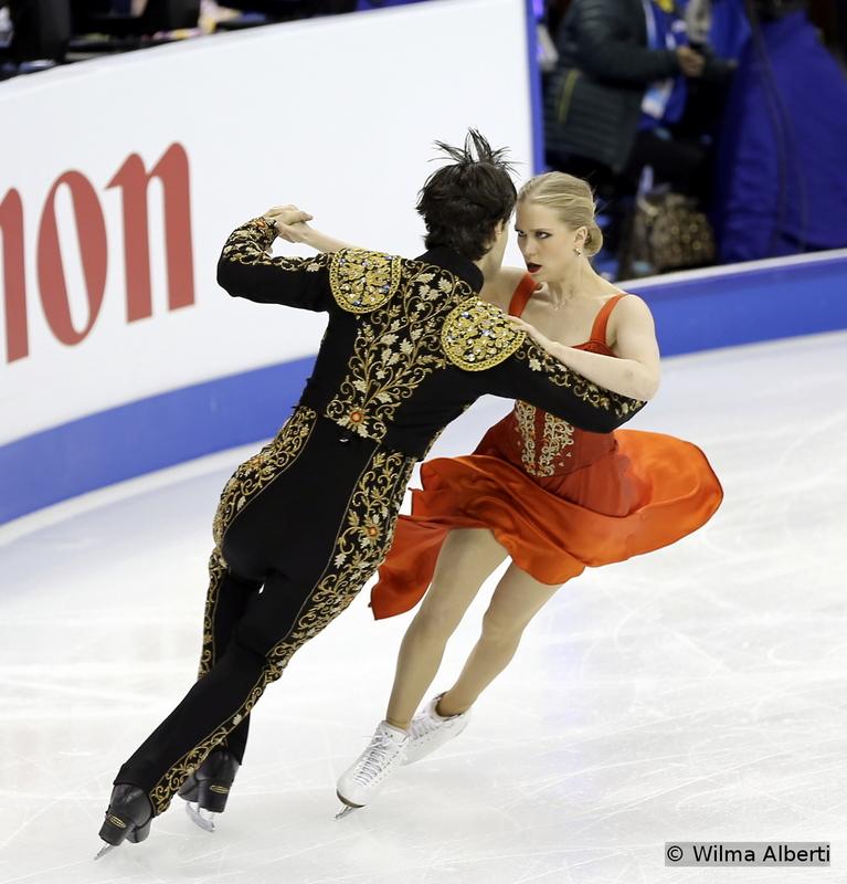 Kaitlyn Weaver and Andrew Poje - short dance