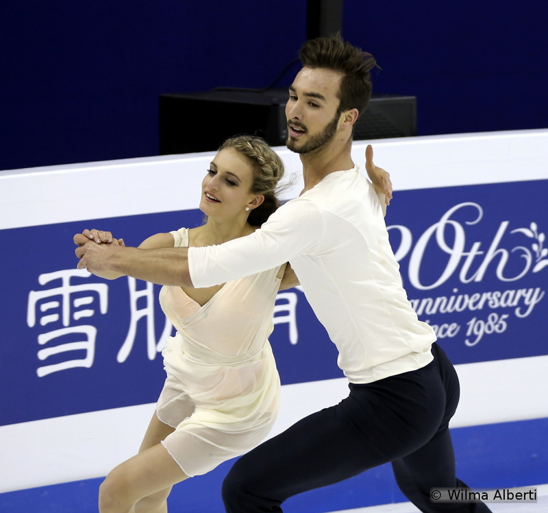 A jewel of a free dance: Gabriella Papadakis and Guillaume Cizeron in Shanghai Oriental Sports Center, the place where it all started. In November 2014, the French took the gold at Cup of China; 4 months later, they did it again, this time at the biggest competition of the season