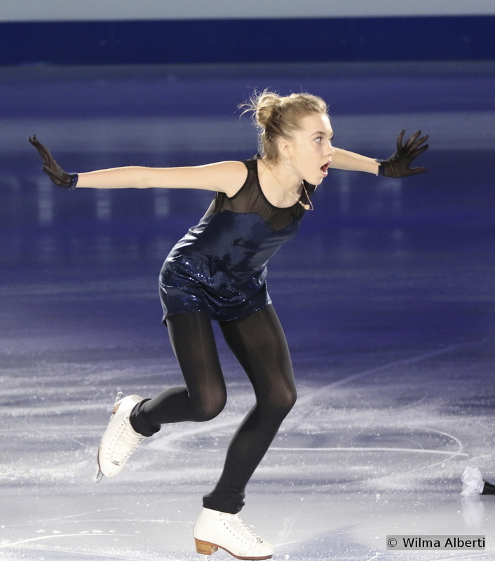 """Trust my words: this girl, Russia's Elena Radionova, is pure gold: she only managed a third place in Shanghai, but the future is all hers. For the exhibition, she chose to skate an energetic routine to Nâdiya's """"Amies-ennemies"""""""