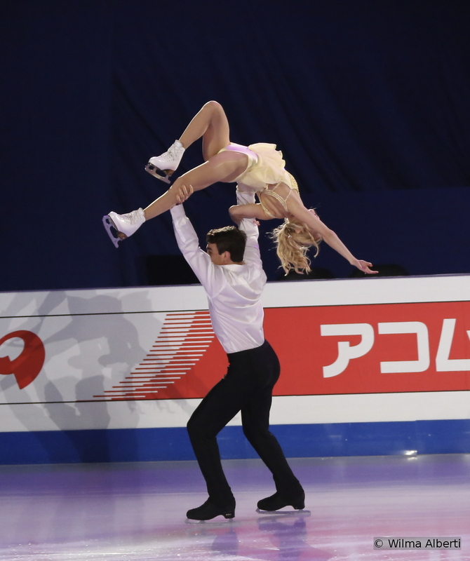"""America's Alexa Scimeca and Chris Knierim were 7th at 2015 Worlds – and you have to have seen their amazing quad twist in Shanghai. For the Gala, they chose to skate to """"You are so beautiful"""" by Joe Cocker"""