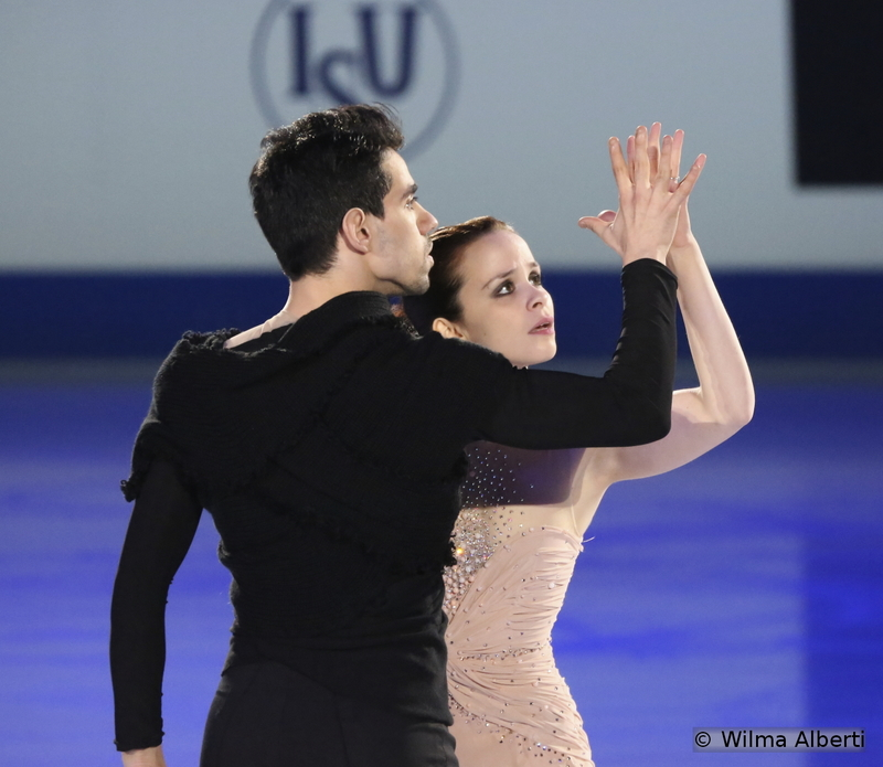 """2014 World gold medalists, Anna Cappellini and Luca Lanotte only managed 4th place in Shanghai – still, what a marvelous dance team this is and what a joy to see them skate. For the Gala, the Italians chose to perform to """"Fireflies"""" by Leona Lewis"""