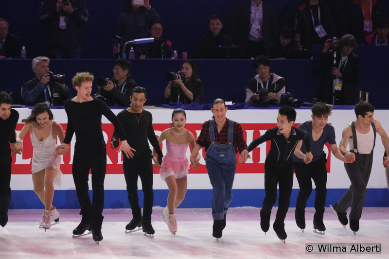 Skaters, saying their goodbyes to the audience in Shanghai Oriental Sports Center. See you next year, in Boston.