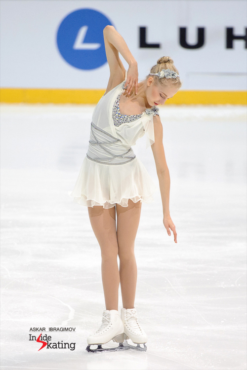 "A gracious, delicate skater: Juulia Turkkila performing her ""Liebesträume"" free program in Espoo"