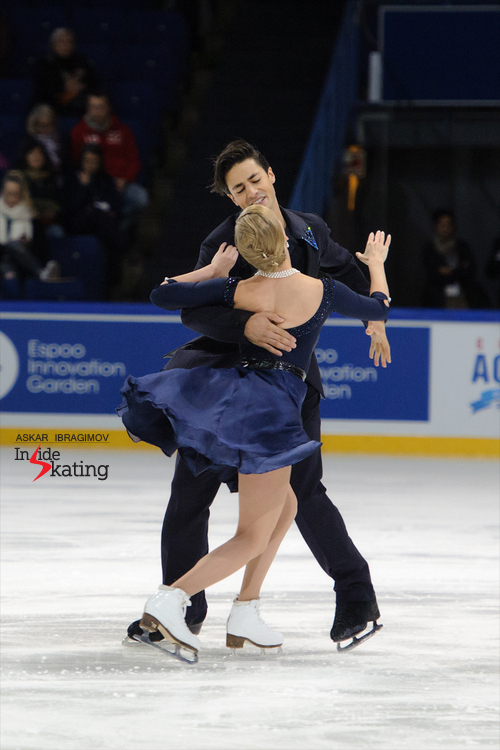 Kaitlyn Weaver and Andrew Poje SD (2)