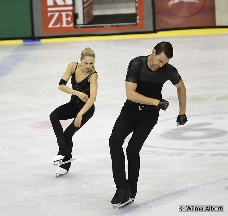 "Alexa Scimeca and Chris Knierim skating their short program in Graz, to Metallica's ""Nothing Else Matters"""
