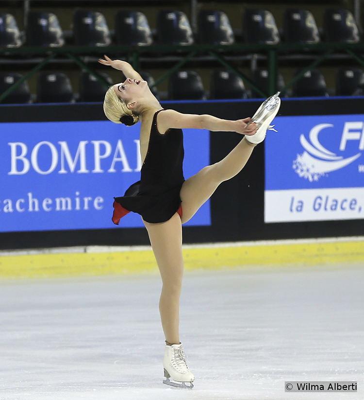 America's Gracie Gold, first after SP in Bordeaux