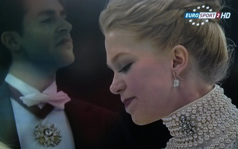 Kaitlyn Weaver and Andrew Poje - aka The Princess and The Prince - getting ready to skate their Strauss short dance at this year's edition of Skate Canada (Photo: Eurosport Screenshot)