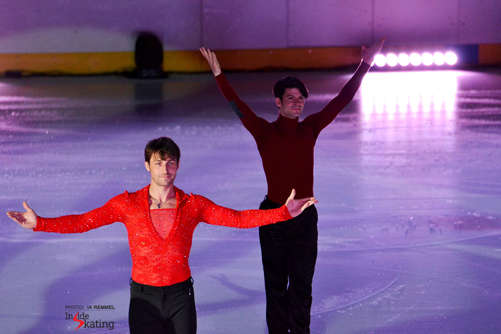 Brian Joubert and  Stéphane Lambiel greet the audience in Tallinn