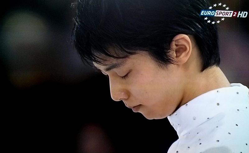 A serene Yuzuru Hanyu, at the beginning of his Chopin short program / 2015 Skate Canada (Photo: Eurosport Screenshot)
