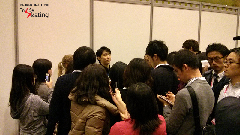The actual end of the men's press conference at 2015 GPF: Yuzuru Hanyu, stopped by the Japanese journalists for a final round of questions&answers...