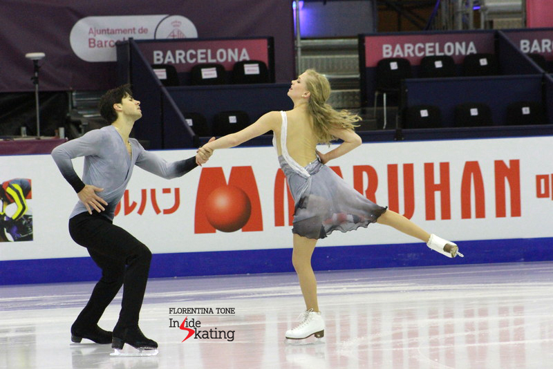 Kaitlyn Weaver and Andrew Poje, with their (presumably) new costumes for the free dance. Will they wear them? We will see that tomorrow, on December 12.
