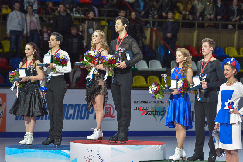 Kaitlyn Weaver Andrew Poje medals ceremony 2015 Rostelecom Cup (6)
