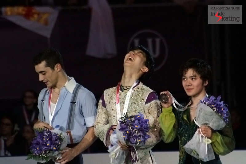 ...and even more fun on the podium; we'd give a penny for the reason of their laughter...