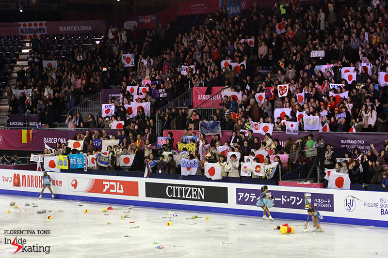 It rained flowers and Poohs after Yuzuru's historical performance in Barcelona