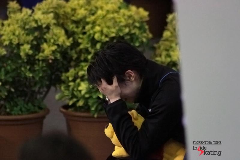 ...and Yuzuru Hanyu bursts into tears.