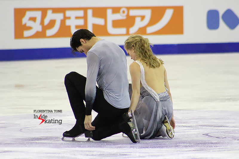 1 Kaitlyn Weaver and Andrew Poje practice FD 2016 GPF (1)
