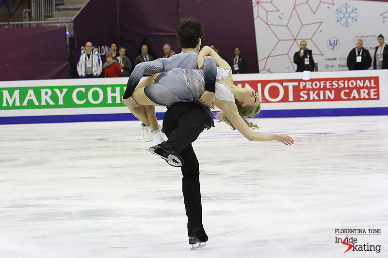 1 Kaitlyn Weaver and Andrew Poje practice FD 2016 GPF (3)