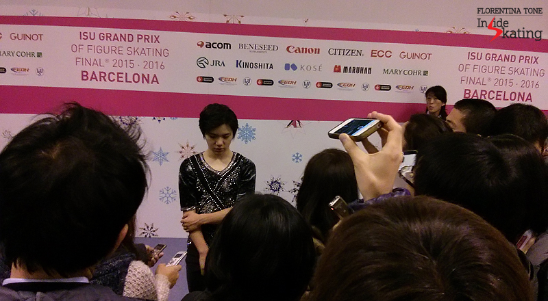 4 Shoma Uno in the mixed zone SP 2015 GPF (1)