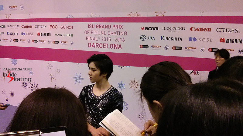 4 Shoma Uno in the mixed zone SP 2015 GPF (2)