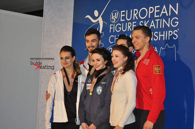 Small medals ceremony after the short dance in Bratislava, with Gabriella and Guillaume taking the silver, Anna and Luca, the gold, and Ekaterina and Dmitri, the bronze