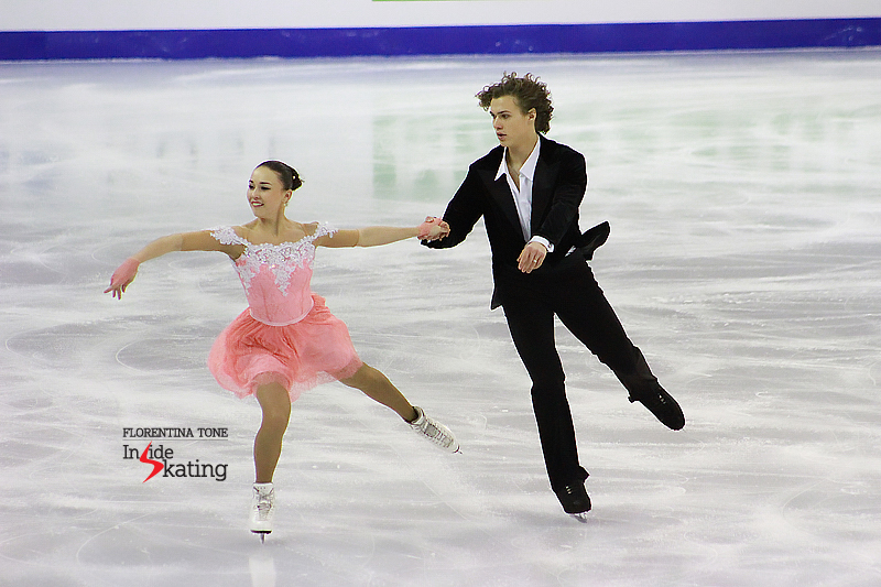 Alla and Pavel during the 6-minute warm-up before the free dance