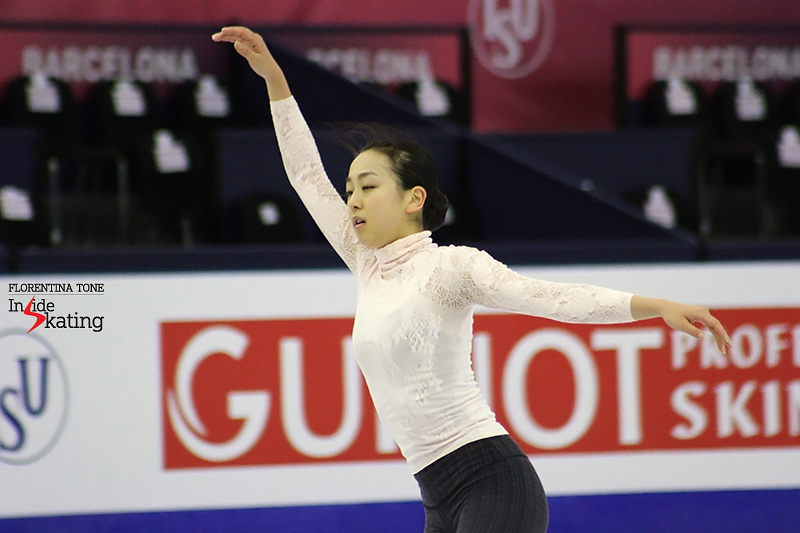 It's all about her arms: Mao Asada practicing her Madame Butterfly long program at 2015 Grand Prix Final in Barcelona