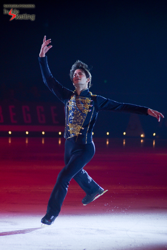 Stéphane Lambiel skating to Ravel's La Valse, during the final act of Le Poème