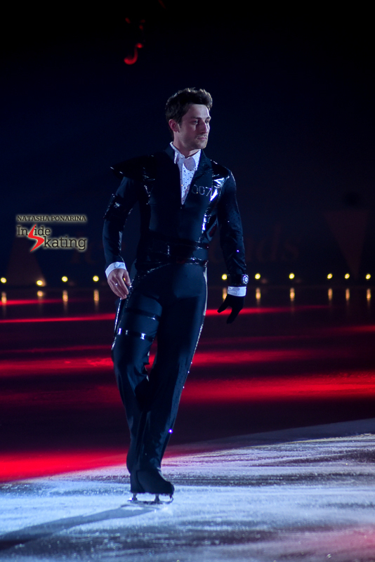9 Brian Joubert as James Bond 2016 Ice Legends (2)