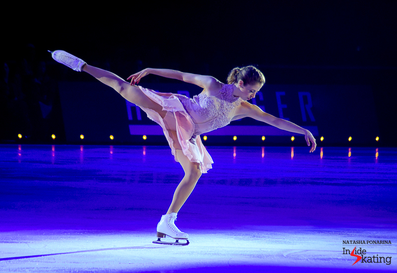 1 Carolina Kostner Debussy Clair de Lune 2016 Ice Legends