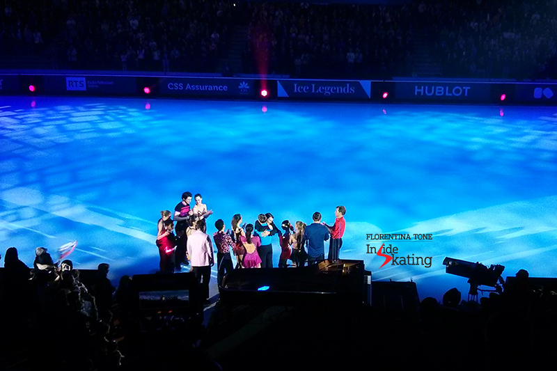 24 Group hug 2016 Ice Legends (1)