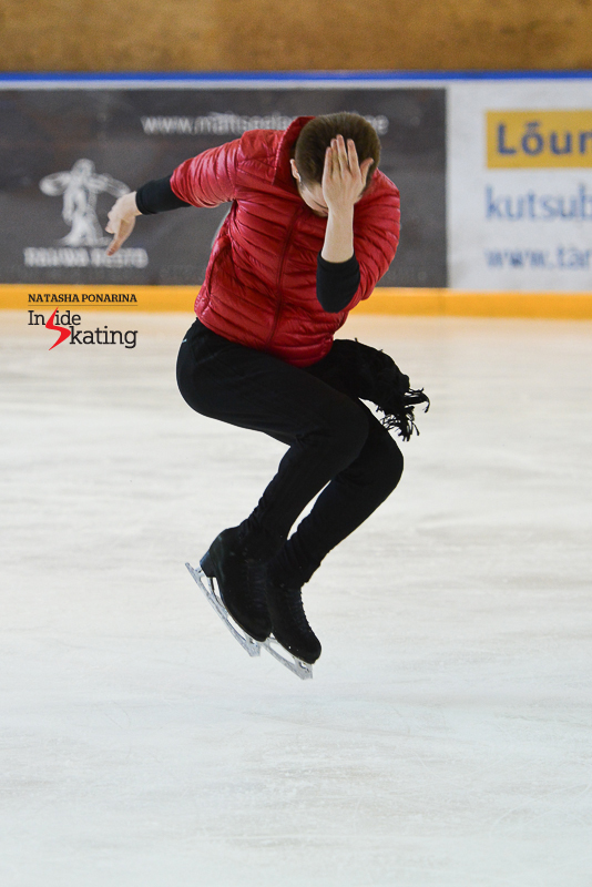 Is this one of Michael Jackson's trademark gestures? If that's the case, Misha Ge is a  very talented imitator - and he surely hopes to pass some of his knowing to his youngest pupil in Tartu