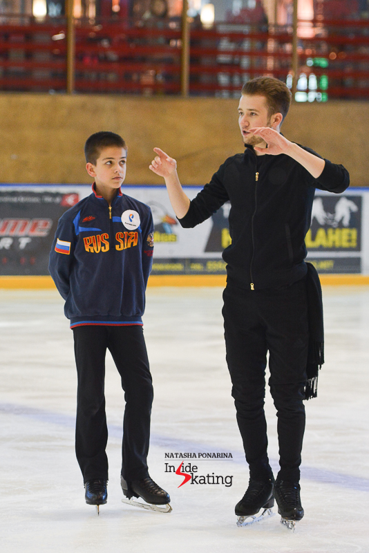 Misha Ge offering advice to Petr Gumennik in Tartu (2)