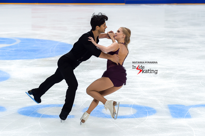 12 Kaitlyn Weaver and Andrew Poje FD 2016 Rostelecom Cup