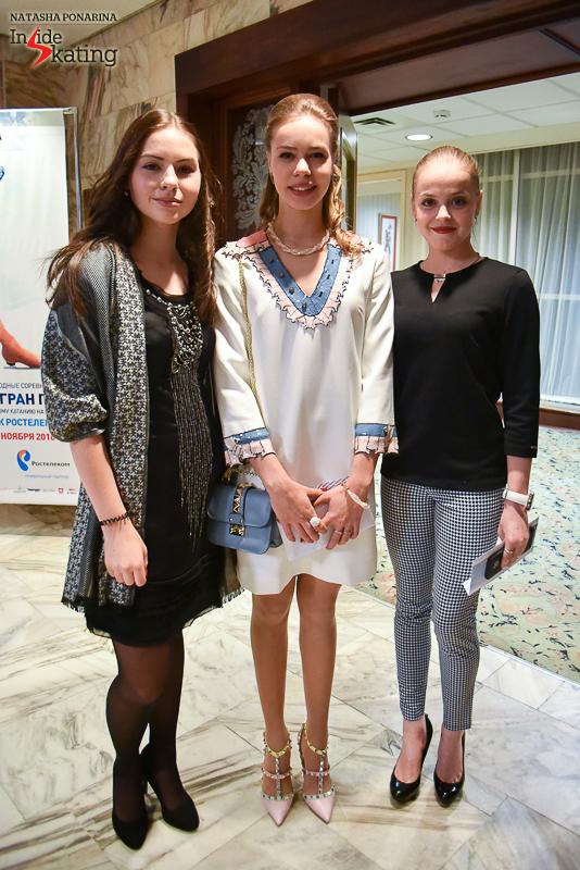 Angelina Kuchvalska and Goda Butkutė surrounding a very elegant Anna Pogorilaya