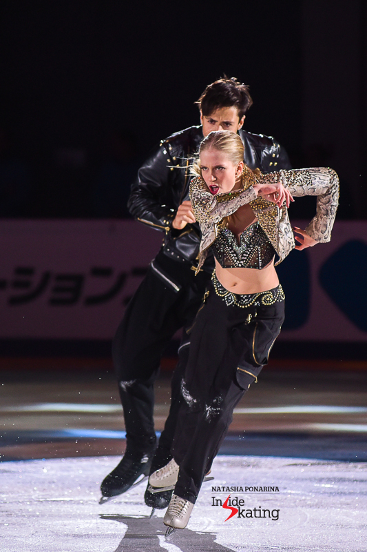 Kaitlyn Weaver and Andrew Poje exhibition 2016 Rostelecom Cup (2)